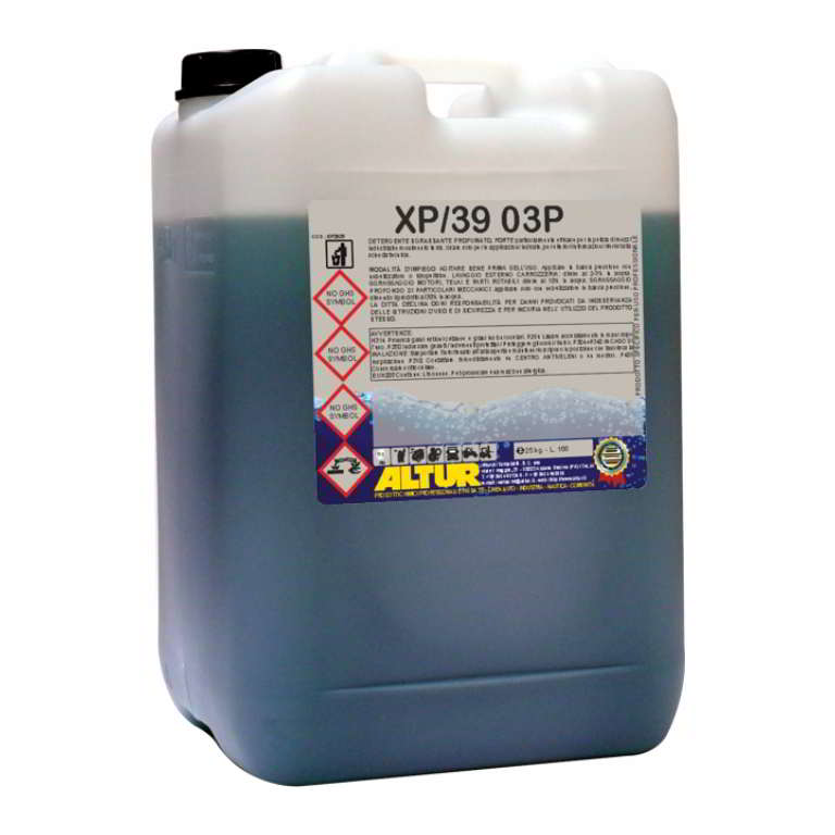 XP39 03P super sgrassante concentrato per lavaggi intensivi
